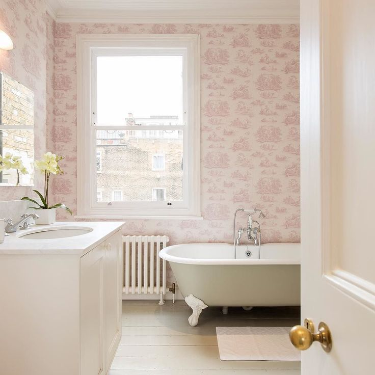 Bathroom Ceiling Ideas Pinterest: Best 25+ Bathroom Ceiling Light Ideas On Pinterest