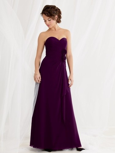 sweetheart chiffon plum bridesmaid dresses. this is the color I want for my bridesmaids.