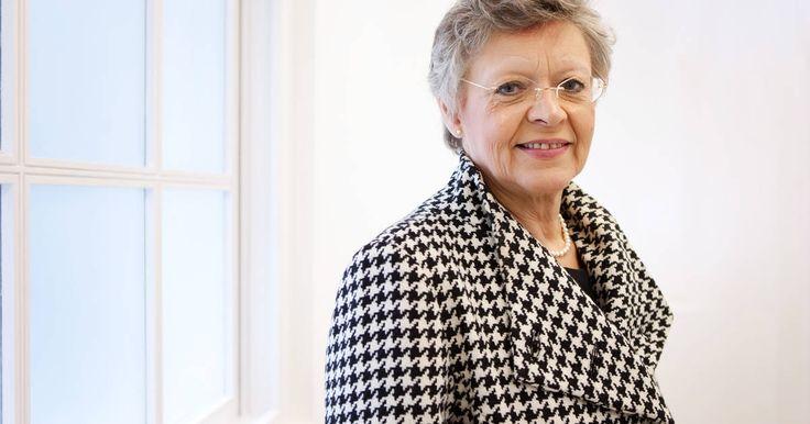 Le Professeur Françoise Barré-Sinoussi, lauréate du Prix Nobel 2008 de physiologie ou médecine pour sa découverte du virus VIH, responsable du SIDA