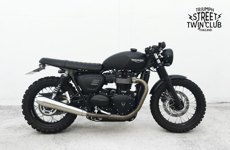 Triumph Street Twin cafe racer.