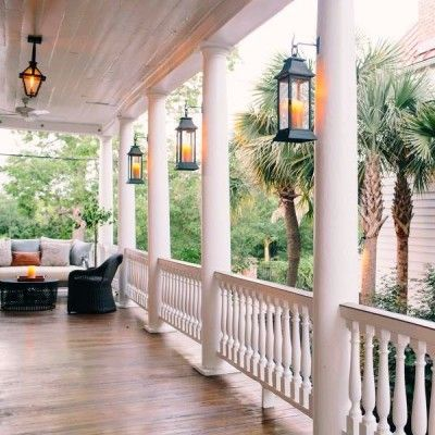 Editor's Choice: 10 Best Summer Hotels on the Water. Zero George, Charleston, South Carolina. The best in a city known for its bests. I adore the historic patina on the buildings, the pitch-perfect amenities and creature comforts, the seductive piazza (the Charleston term for the porch), and an in-house open kitchen with regular cooking classes, helmed by one of America's hottest young chefs. Like stepping into the perfect Instagram photo. Coastalliving.com
