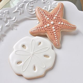 sandollar-starfish-cookies_zoom by bellasucre, via Flickr