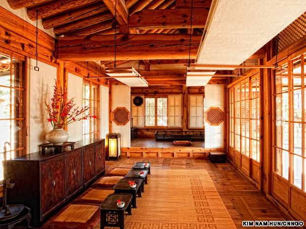 Korea furniture museum: modeled after a traditional Korean mansion. Natural understated elegance and beauty which is the quintessential Korean aesthetic. Beauty is found in the exquisite details and overall harmony and balance. This is a style that is very difficult to emulate today and very different from western aesthetics where grandeur is defined by opulence.