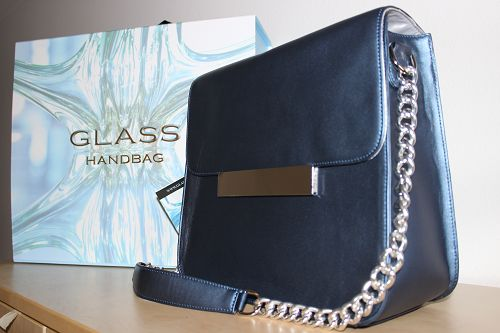 Glass Handbag Review and #Giveaway  http://wp.me/p2HC3I-3ss