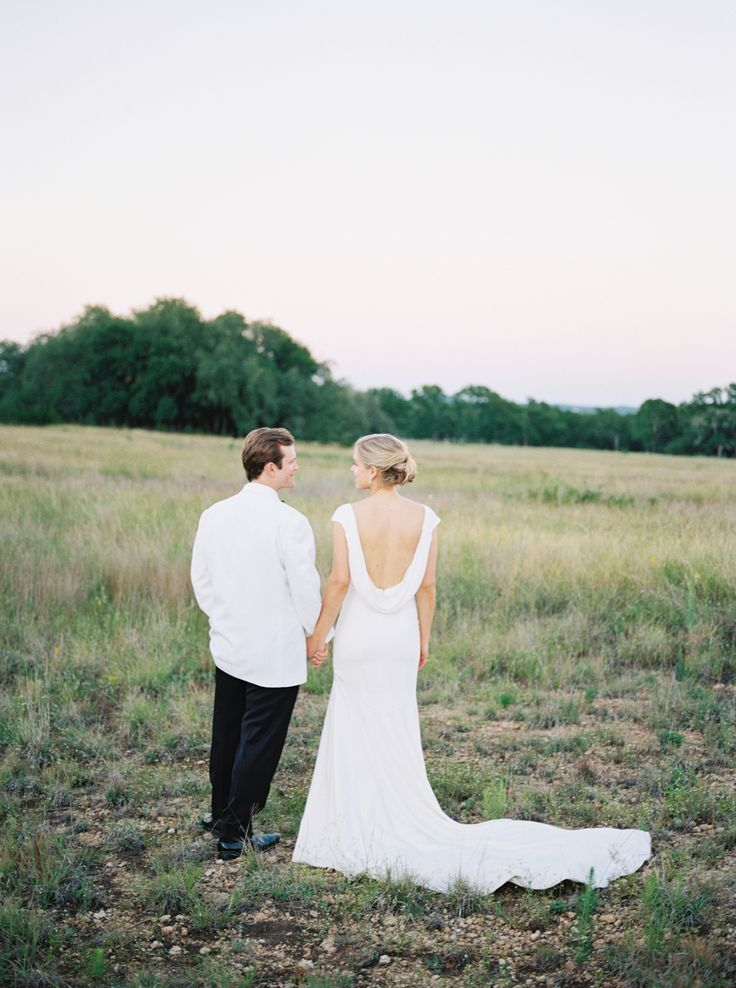 Scoop back Theia wedding gown   Photography: Honey Gem