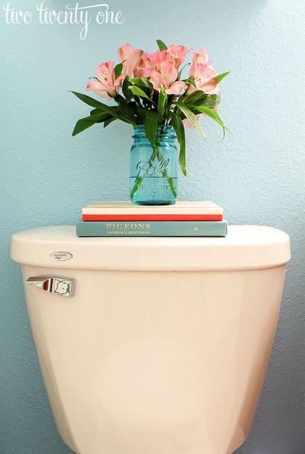 Best 25 toilet decoration ideas on pinterest toilet room toilet ideas and guest toilet - Deco toilettes ...