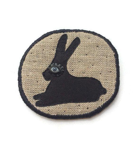 """ПРОДАЖА!  Текстильная брошь - """"Черный кролик"""" ручной вышивкой заявление ювелирные изделия с черным кроликом"""