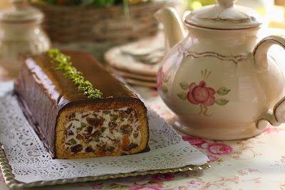 Régóta szemezgettem már ezzel az olasz süteménnyel. Most valahogy megint előbukkant és mivel minden volt hozzá itthon, összeraktam. En...