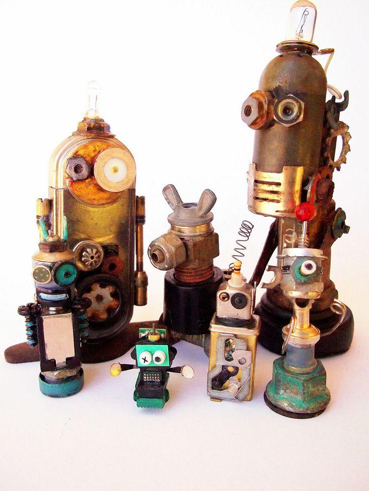 hardware robot sculpturesSculpture Art Kids, Nut And Bolt Steampunk Robots, Robots Families, Art Robots, Gift Ideas, Sculpture Projects For Kids, Minis Robots, Robots Fun, Robots Sculpture