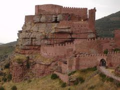 Panoramio - Photo of Entrada al Castillo de Peracense.