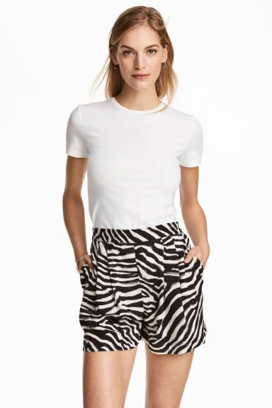 Pantaloni scurți largi - Imprimeu zebră - FEMEI   H&M RO 1