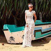 Купить или заказать Авторское платье-хиппи 'Богемия'. в интернет-магазине на Ярмарке Мастеров. Авторское платье 'Богемия' в стиле хиппи связано крючком из 100% хлопка высокого качества. Платье изобилует меланжем ярких оттенков, своеобразными деталями, крупными и мелкими цветочными орнаментами, богатой фактурой в виде послойного вязания крючком. Каждый новый ряд в элементах - это новый оттенок. Особо популярные в последние несколько лет платья в стиле хиппи (назад в 1970-е) явл...