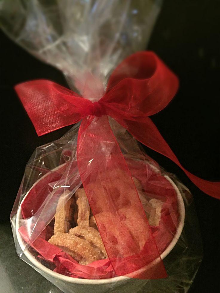 Maceta con 10 buñuelos.. Excelente regalo para el día del maestro!! informes: dulcedelici@gmail.com 55.7847.0939