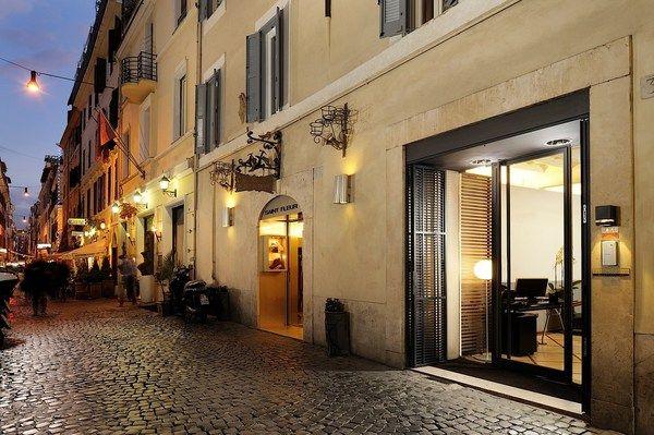 Mario de' Fiori 37 | Luxury suites in a boutique hotel in Rome, Italy