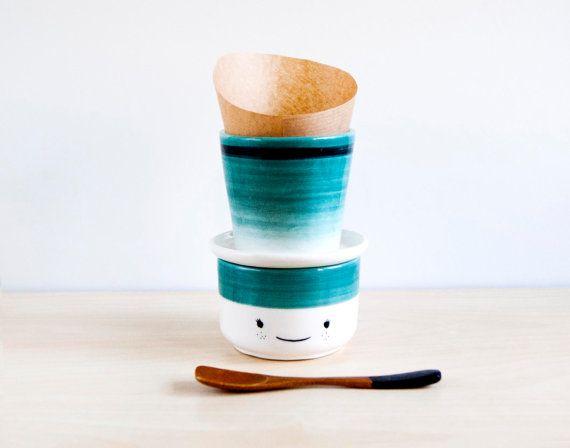 Verser en céramique sur support de café, versez sur machine à café, verser sur l'ensemble de tasse de café, céramique et poterie, versez dessus dripper stand, Noe marin