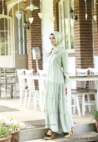 Shirleey Dress Mint - Klik gambar untuk melihat detail dan harga produk Juniperlane di website zilbab.com. Hijab, Jilbab, Fashion Hijab, Juniperlane Hijab, Hijabi, Juniper Hijab, Juniper Lane.
