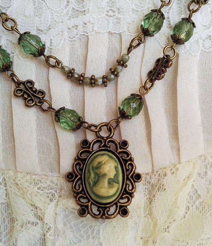 Vintage groene ketting met camee