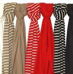 Bretonse strepen. Sjaals voor ladies van Streep Gemaakt van 100% biologisch katoen.