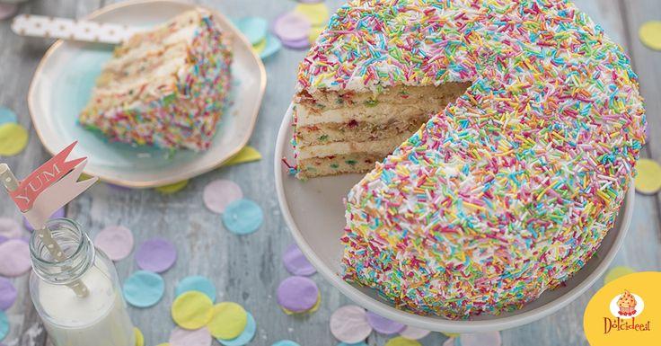 La torta funfetti è il dolce perfetto per le feste di compleanno dei bambini: colorata, allegra, buonissima è una vera festa per occhi e palato!