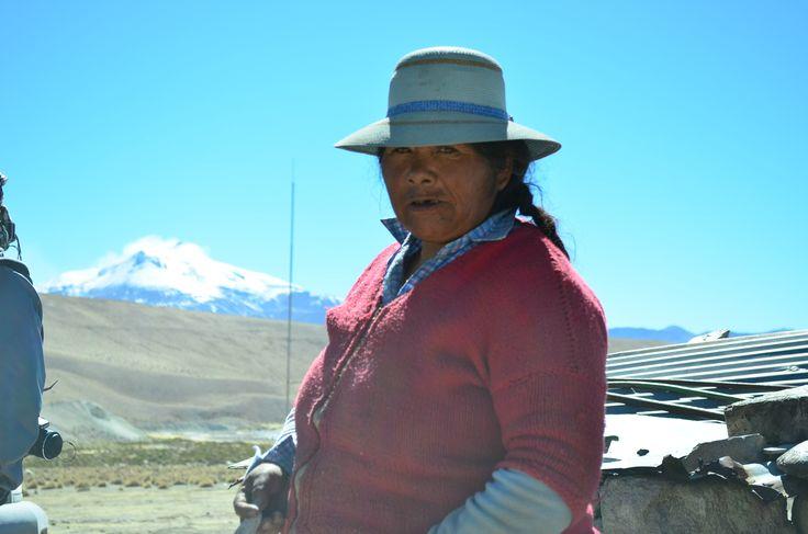 Virginia Morales, ganadera y artesana aymara. Lauca Vilaque, Putre. Chile.