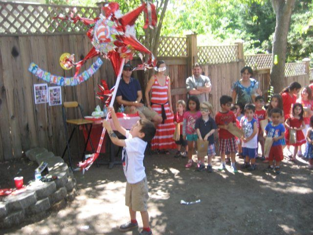 "Una fiesta con el El gato ensombrerado (""Cat in the Hat"") 