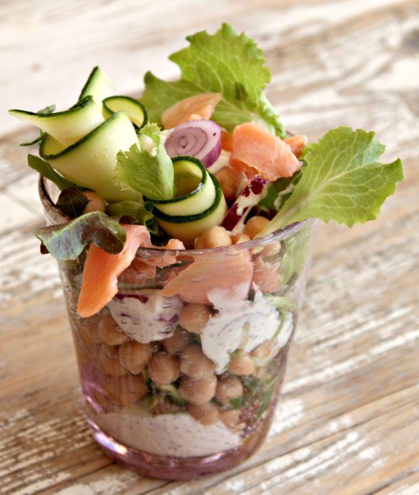 Insalata salmone zucchine e ceci