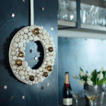 Une couronne de Noël en pâte à sel / A salt dough Christmas wreath
