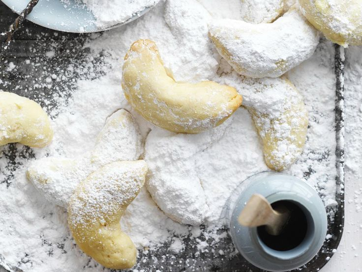These Greek almond crescents are commonly known as kourambiethes and traditionally served at Easter. They're so delicious that we think they should be enjoyed all year round. Serve with a hot espresso.