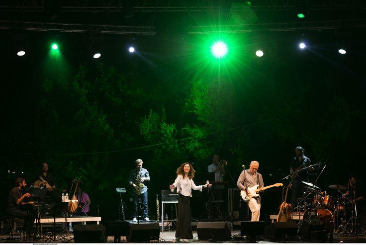 https://flic.kr/p/KgjcYW | Ελευθερία Αρβανιτάκη - Νίκος Πορτοκάλογλου - 19/07/2016 | Οι εξαιρετικοί Ελευθερία Αρβανιτάκη και Νίκος Πορτοκάλογλου στο Φεστιβάλ Αμαρουσίου 2016 Like us @ Facebook: www.fb.com/festivalmaroussi Follow us @ Twitter: www.twitter.com/festivalmarousi