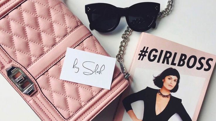 The 'Audrey' sunglasses from my webshop by Silah accompanied by one of my favorite books by my ultimate #GIRLBOSS inspiration Sophia Amoruso