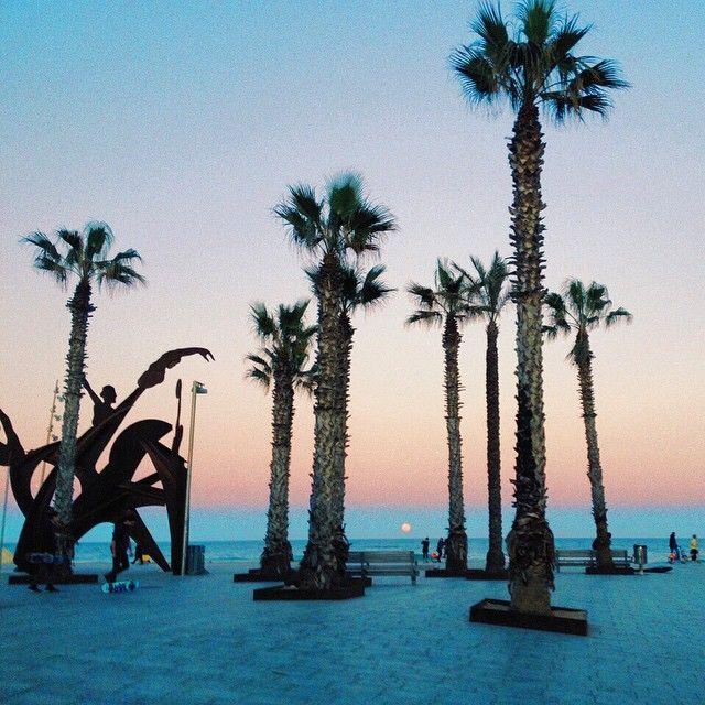 Barcelona beach-must GO