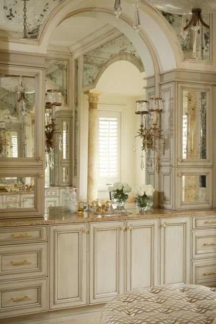 Luxurious ~ I like the beautiful countertop cabinets. Lots of storage. | Tobi Fairley Design     ᘡղbᘠ