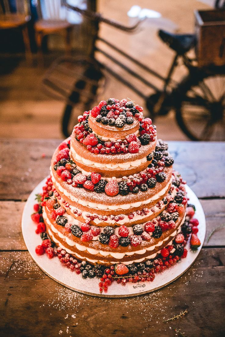 Sponge Naked Wedding Cake with Berry Decor | Matera Italy Intimate Destination Wedding | Sincerity Bridal Gown | Pink & Blue Colour Scheme | Joules Floral Bridesmaid Dresses | Beatrici Photography | http://www.rockmywedding.co.uk/reanne-matt/