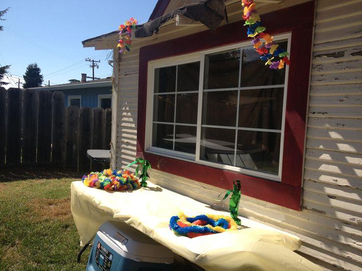 Hawaiian themed party. 19th birthday party ideas. Hawaiian party set up table unfinished