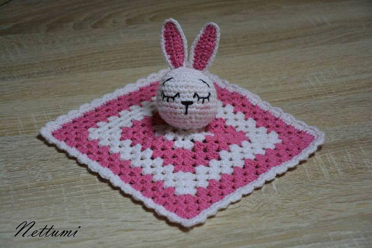 """7 kedvelés, 1 hozzászólás – Anett (@nettumi) Instagram-hozzászólása: """"#amigurumi #crochet #baby #blankies #szundikendő #handmade #horgolt"""""""