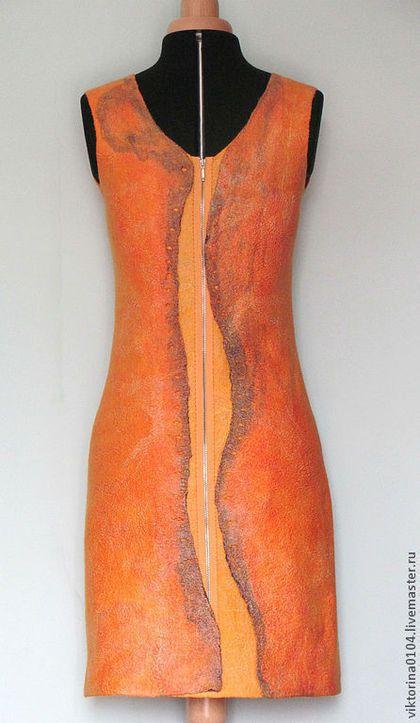 Купить или заказать Платье ' Orange' в интернет-магазине на Ярмарке Мастеров. Платье для настроения - яркое и оригинальное! Выполнено в различных оттенках оранжевого цвета из нежного мериноса, маргиланского шелка, шелковых платков и лепса. Цельноваляная подкладка из волокон шелка и вискозы.Силуэт чуть расклешенный к низу. Для лета, осени, весны...впрочем, как сарафан можно носить даже зимой в качестве витаминного коктейля!…