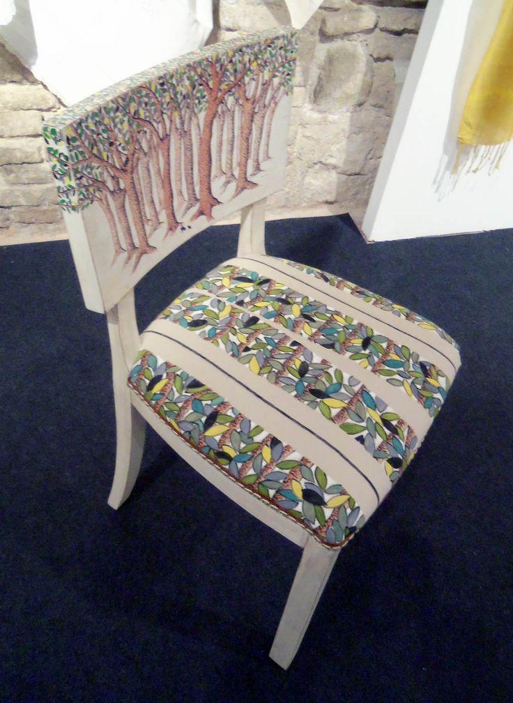 Tappezzeria e scafo sedia dipinti a mano
