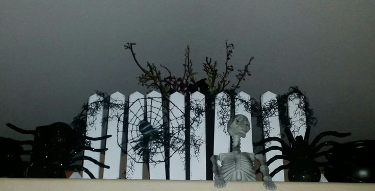 decorative picket fencing for holiday decor