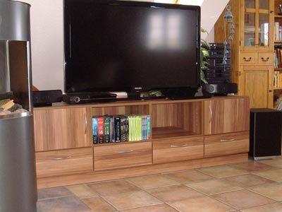 tv kast op maat voorzien van schappen en lades door zelf de indeling te bepalen weet je zeker dat al je apparaten en dvd's in het meubel passen en je niet voor onverwachte verrassingen komt te staan.