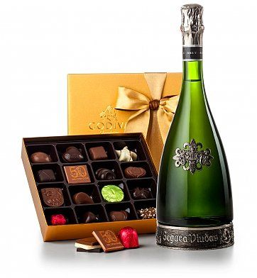 Segura Viudas Champagne & Godiva Chocolates: Champagne Gifts - Give the sophisticated gift of world-renowned Spanish champagne and a golden box of Godiva's best gourmet chocolates.