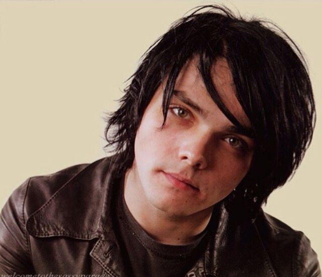 96 best images about Gerard Way|Black Hair on Pinterest ...