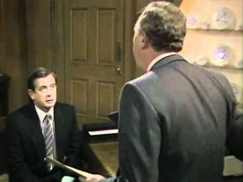 (2.17)Leading Questions - Yes Prime Minister -- This is a clip from my favorite TV show, broadcast on the BBC from 1980-88.  It is a political show about the prime minister's office.  In this clip the Cabinet Secretary (head of civil service) and the PM's secretary talk about how to achieve the result you want in polling.