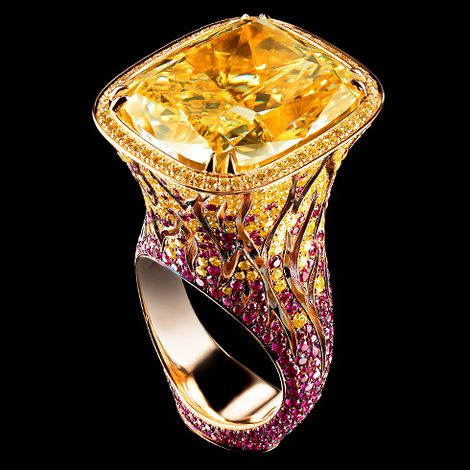 18K yellow gold   1 yellow diamond 25,03 ct   62 diamonds 0,41 ct   268 canary diamonds 1.41 ct   418 rubies 2,54 ct