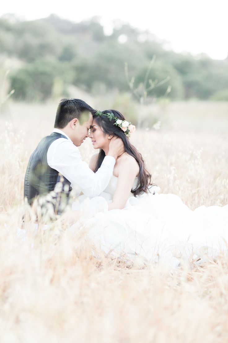 Photography: Koman Photography - komanphotography.com  Read More: http://www.stylemepretty.com/california-weddings/2015/02/04/romantic-vintage-chic-spring-wedding/