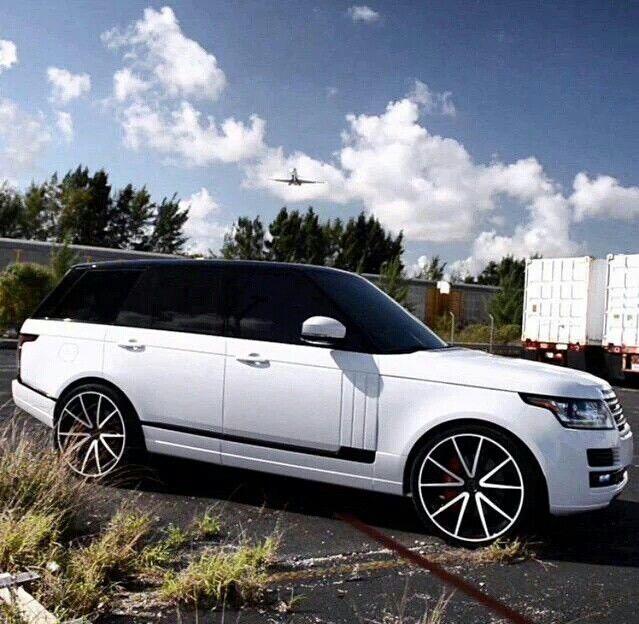 White Range Rover Autobiography