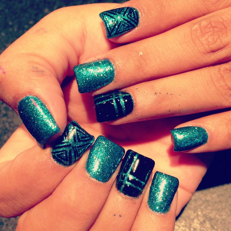 Nail Art , Nail Design With Gel Color , Glitter