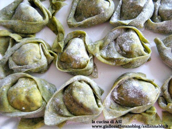 Questa ricetta l'ho fatta durante il corso di sfoglina avanzato fatto a Bologna a Casa Larga..provateli e sentirete la bontà!ricetta primo piatto La cucina di ASI