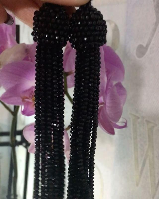 We on Facebook: http://ift.tt/2jRHDjd Beautiful Beaded Jewelry #underbeads by @underbeads Check our #AmazingPhoto WEBSTA: Аааа а у меня есть такая красота!!!! Блестят нереально! Серьги из горного хрусталя по спецзаказу! Повтор пока не возможен. #оскар #оскарделарента #украшенияизбисера #деларента #серьгиоскар #бижу #бисер #браслет #бижутерия #oscar #бисероплетение #бисерноеукрашение #подарок #аксессуары #украшение #украшенияизбисера #oscardelarenta #серьги #колье #мода #сделанослюбовью…