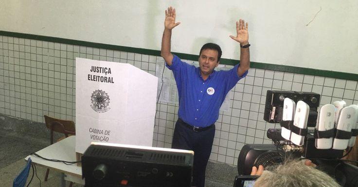 Carlos Eduardo, do PDT, é reeleito prefeito de Natal