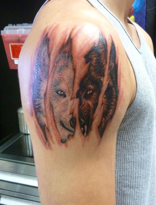 1000 images about wolf tattoos on pinterest tribal wolf tattoos dream catcher tattoo and. Black Bedroom Furniture Sets. Home Design Ideas
